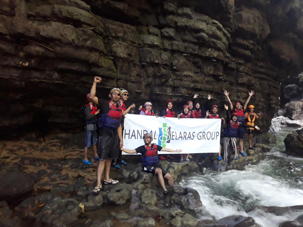 PAKET WISATA Green Canyon Pangandaran Indonesia